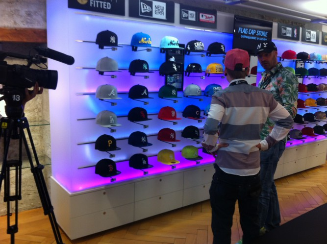 aa880a80f96 Am Freitag erfuhr ich von der Eröffnung des ersten reinen New Era Cap Shops  in der Schweiz