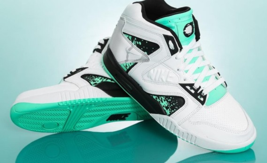 NIKE AIR TECH CHALLENGE HYBRID GREEN GLOW